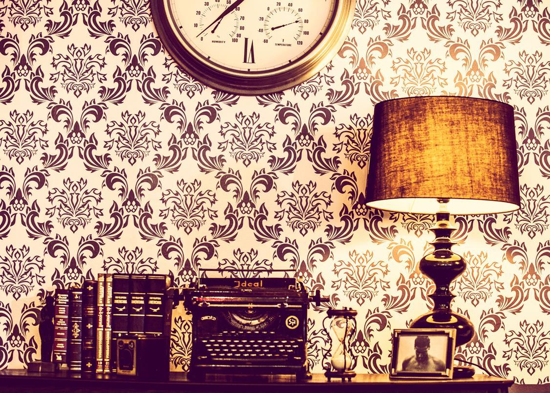 Tapeta w angielskim stylu w sypialni