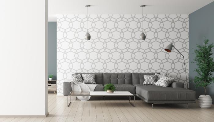 Jasna tapeta w szare geometryczne wzory w salonie